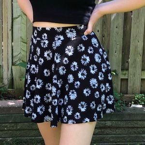 H&M Divided Black & White Daisy High Waisted Skirt